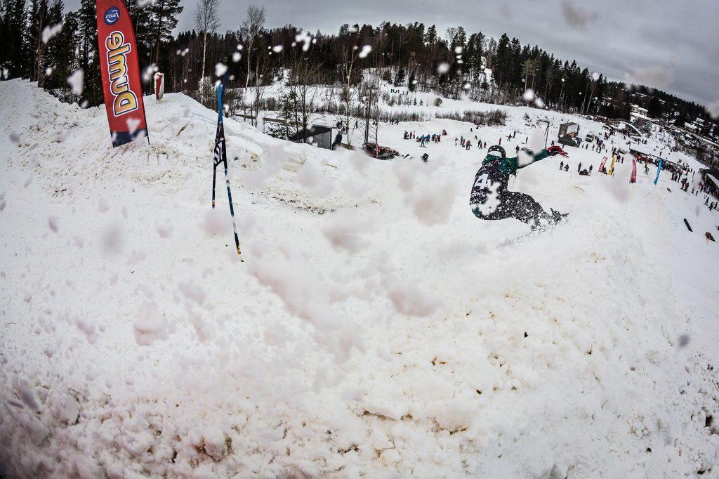 Banked Slalom Tour - Kurvit kunniaan